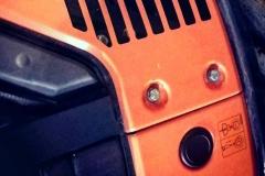 Watch my tender! Orange Presley. L'icona arancio della Chirurgia visiva bolognese.