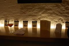 Un calice di vino e i Versi da bar trevigiani