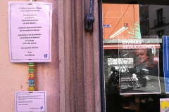 Fermate poetiche al lato di librerie in cui si fanno jam di poesia