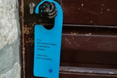 Segna porte blu